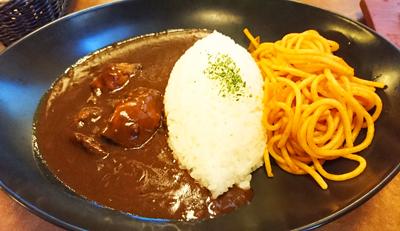 肉の万世 ハヤシライス&ナポリタン1.jpg